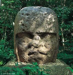 'Olmec' head, la Venta.