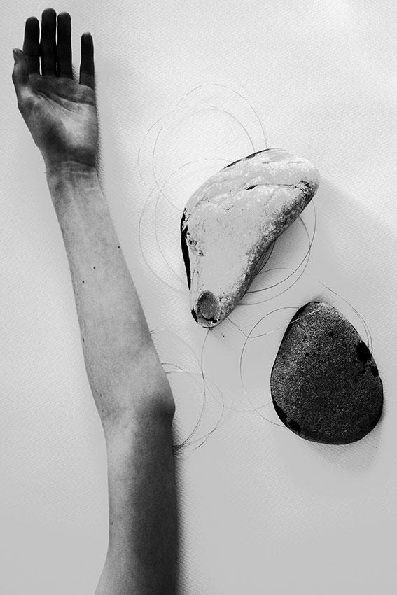 Meditation on Stones and Body #15. ©GBénard